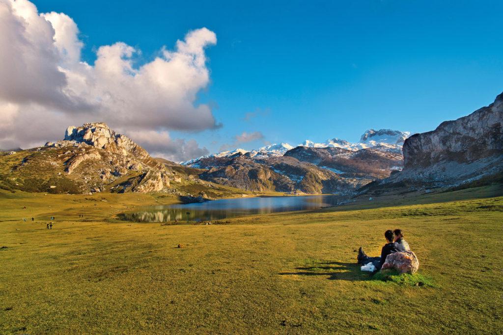 casonas-asturianas-parque-nacional-picos-europa-lago-ercina