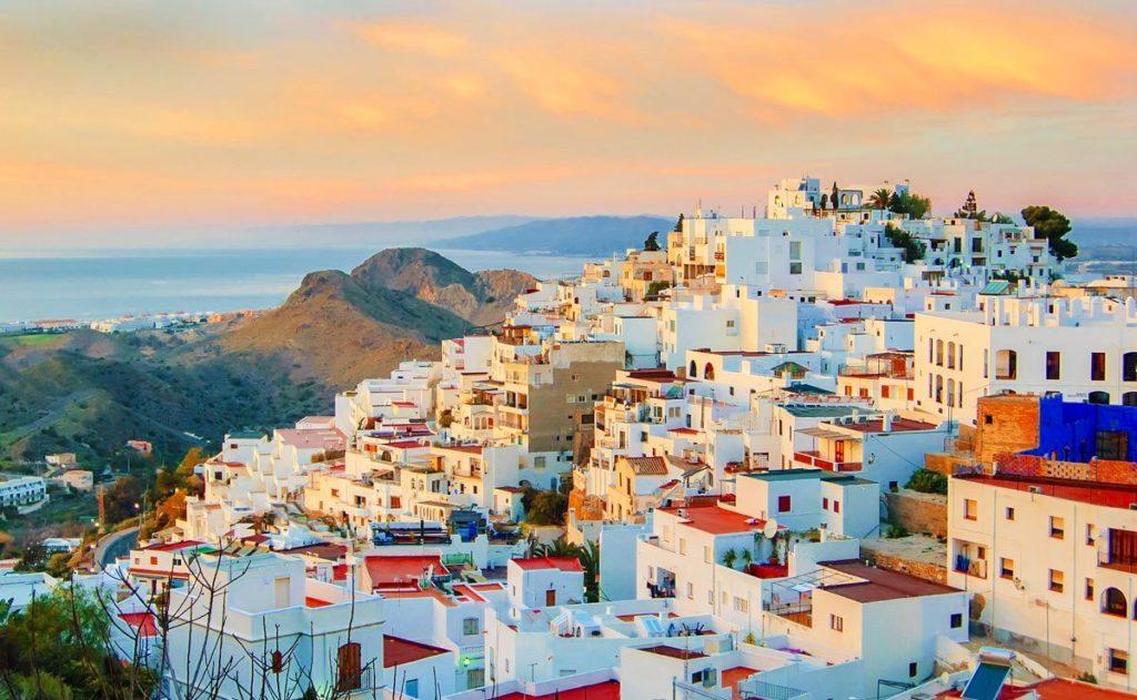 Viaje aventura en Mojácar (Almería) con la agencia de viajes NovaWays